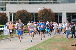 More than 75 people participated in the inaugural #BreakTheStigma 5K recovery run hosted by the Collegiate Recovery Program in September 2015. Photo courtesy Missouri State University